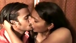 Reshma Bhabhi With Her Desi Lover Raj